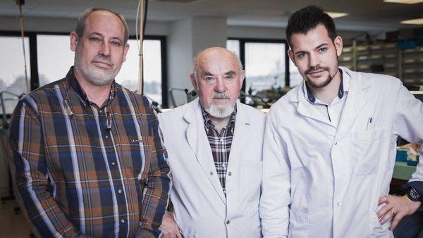 Frédéric, Jean et Julien Humbert-Droz, le quatrième d'une génération d'horlogers.
