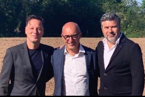 """De gauche à droite, Roberto Ciurleo, Régis Lefebvre et Stéphane Gateau, tous trois promoteurs du projet """"L'hommage aux héros"""""""
