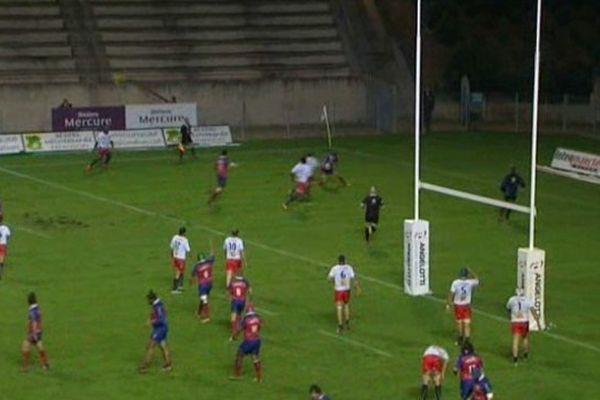 Les Cantaliens ont ouvert le score sur pénalité dès la 20ème seconde.