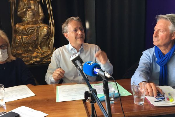 Serge Grouard a donné une conférence de presse ce 18 juin pour s'expliquer sur la polémique des masques à Orléans.
