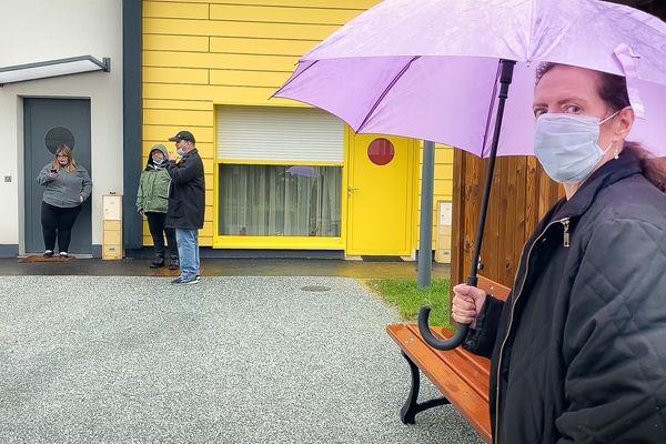 Les résidents du Clos Philippe Ricord, des séniors et des personnes en situation de handicap.