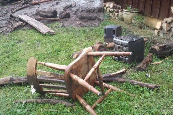 La coulée de boue a fait de gros dégâts sur un hameau de Taninges
