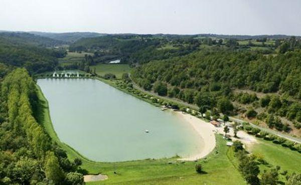 Etang de Tamniès en Dordogne