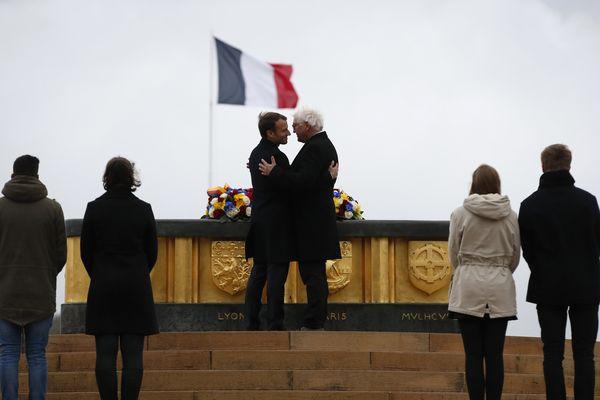 Le président français, Emmanuel Macron et son homologue allemand Frank-Walter Steinmeier, le 10 novembre 2017 au Hartmannswillerkopf.
