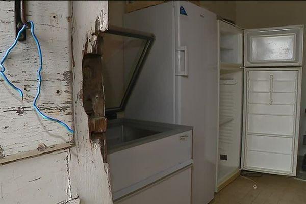 La porte du local de stockage des Restos du Coeur à Joigny a été fracturée, pour un maigre butin