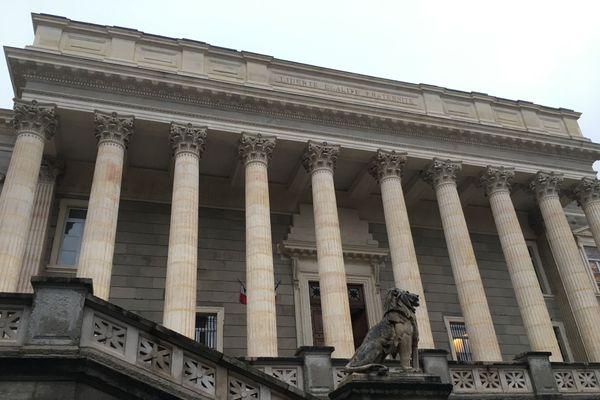 Le couple a été condamné le 19 novembre 2020, après comparution devant le tribunal correctionnel de Saint-Etienne, dans la Loire.