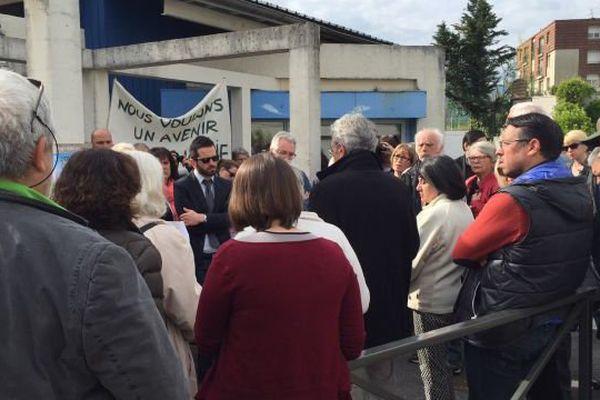 Les habitants s'expriment devant le maire à Saint-Martin-d'Hères