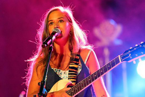 Nina Attal sera à Bourges, le 21 juin, pour la fête de la musique.