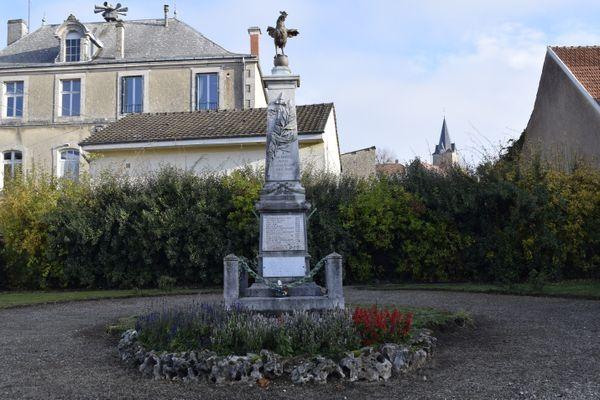 Un monument à Bricon (Haute-Marne)