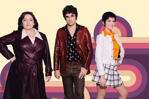 """Emilie Gavois-Kahn, Arthur Dupont et Chloé Chaudoye campent les nouveaux héros de la nouvelle saison des """"Petits Meurtres d'Agatha Christie""""."""