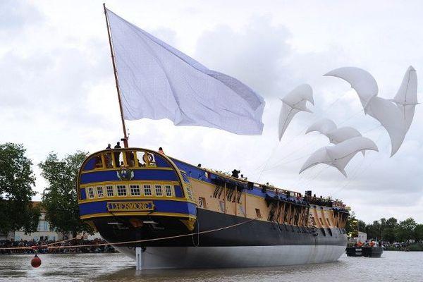 L'Hermione lors de son lancement le 6 juillet 2013 à Rochefort