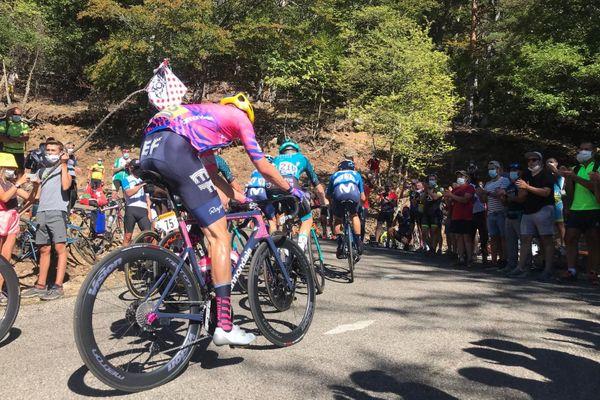 Un public nombreux dans le col de la Luzette lors du passage du Tour de France.