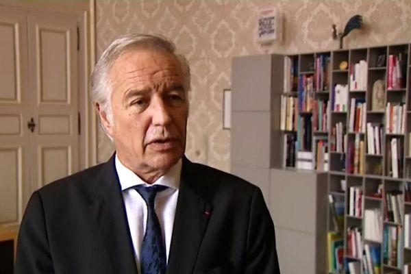 François Rebsamen.