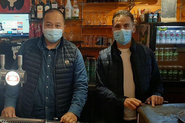 Après l'annonce le 30 septembre par le préfet du Puy-de-Dôme d'une ou plusieurs fermetures de bars à Clermont-Ferrand, Keo Saysana, gérant du Kokomo, est inquiet pour son affaire.