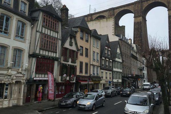 Un rue commerçante de Morlaix (Finistère)
