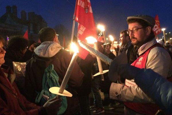 Manif au flambeau contre la réforme des retraites, à Nantes le 15 janvier 2020