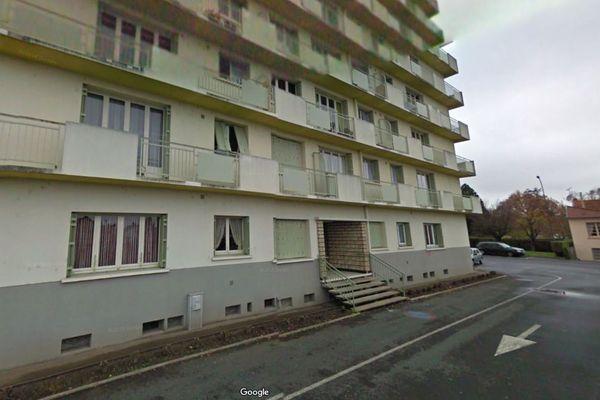 C'est dans cette résidence, située place de la Fraternité à Montluçon, que le corps sans vie d'une femme a été retrouvé mercredi 26 septembre.