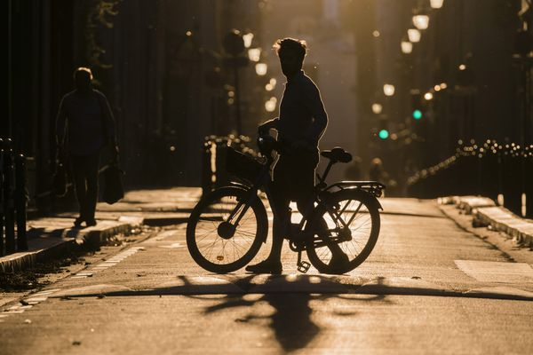 Privilégier le vélo, et éviter les efforts lors des moments chauds de la journée