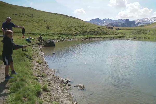 initiation à la pêche au lac du Chardonnet à Tignes