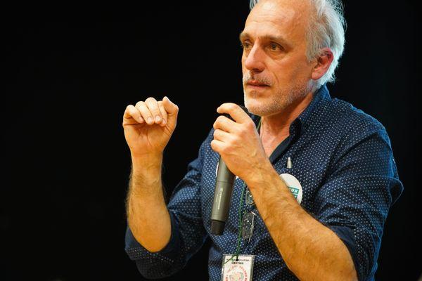 Philippe Poutou est candidat à l'élection présidentielle de 2022 pour le NPA