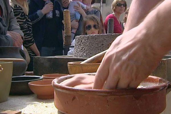 Lattes (Hérault) - chez le pistorium, on fabrique le pain à l'ancienne, comme il y a 2000 ans - avril 2016.
