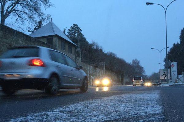 Neige ce matin à Mirebeau dans la Vienne