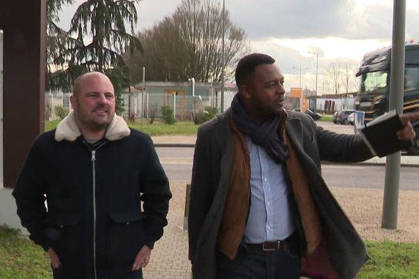 La tête de liste du Rassemblement National à Chalon-sur-Saône, Franck Diop (ici à droite)