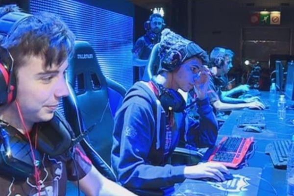 La Paris Games Week et ses joueurs (semi-)professionnels.