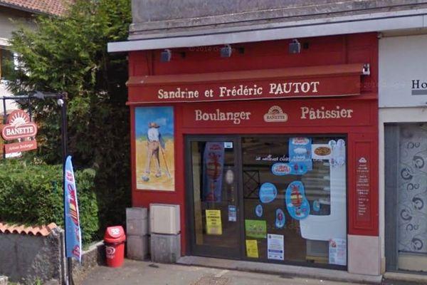 La boulangerie Pautot est située 25 rue Pierre Curie à Grand-Charmont.