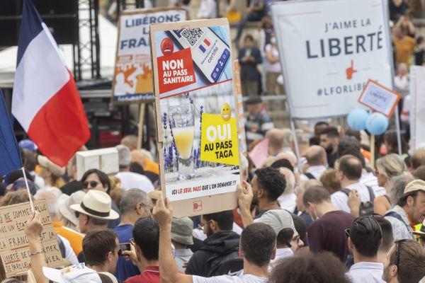 Une nouvelle manifestation contre l'extension du Pass Sanitaire et l'obligation vaccinale pour les soignants organisée à Paris samedi 31 juillet