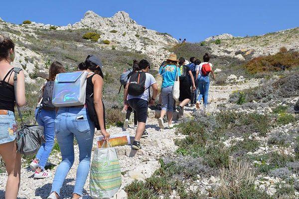 La ligue de l'enseignement des Bouches-du-Rhône propose des colos apprenantes comme ici sur les îles du Frioul cet été.