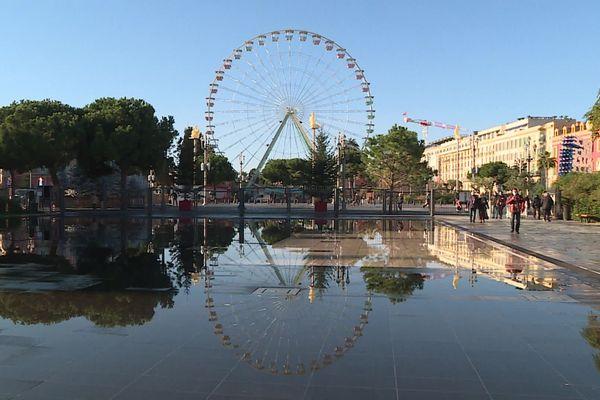La grande roue de Nice place Masséna.