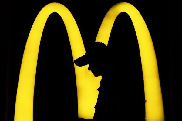 À Tours, Amboise, Saumur et Châtellerault, les McDonald's restent ouverts en pleine épidémie de coronavirus.