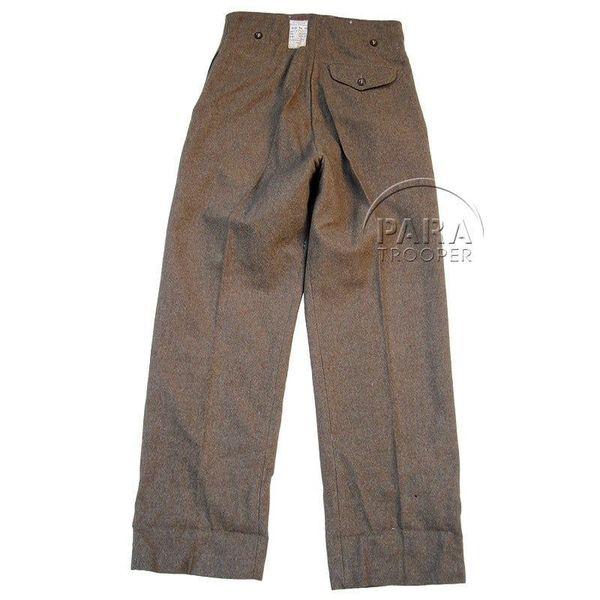 Le pantalon anglais de 1942 porté manquant dans les tocks du magasin Paratrooper in Normandy