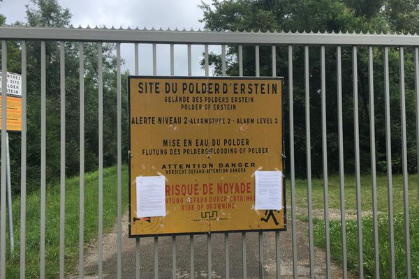 La grille d'entrée du polder d'Erstein a été fermée.