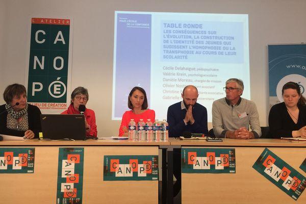"""Un séminaire pour construire """"une école inclusive"""" était organisé par le rectorat de Reims à l'occasion de la journée mondiale de lutte contre l'homophobie."""