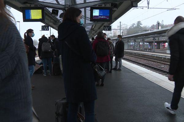 Les quais de la gare de Dijon, samedi matin, 6 février