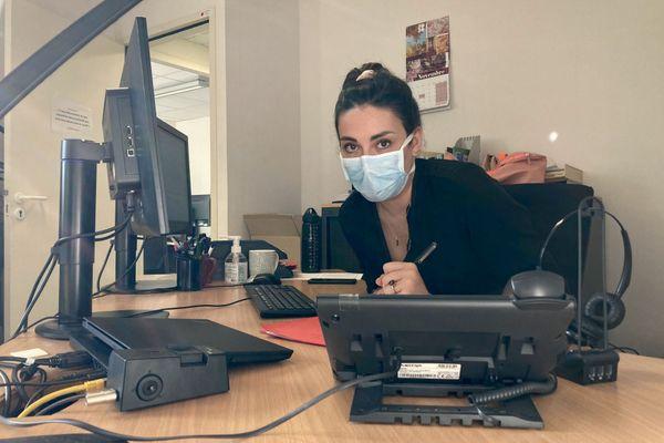 Hélène Salsmann, agent au contact tracing de niveau 3 à l'ARS Bretagne