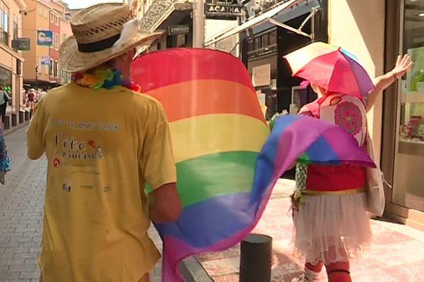 Une quinzaine d'association ont organisé un village festif et de sensibilisation pour célébré la communauté LGBTQI+