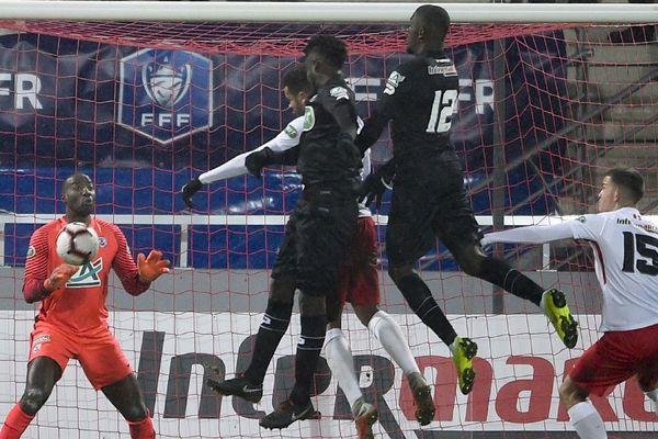 L'équipe de Guingamp marque un premier but lors du match de la Coupe de France qui l'oppose à Nancy