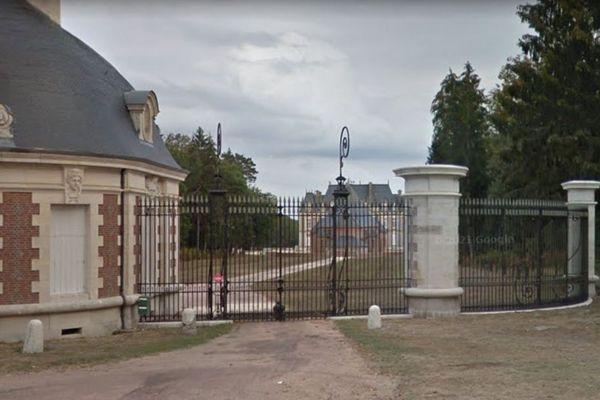 Le château de Saint-Hubert à Neuvy-sur-Barangeon est en vente