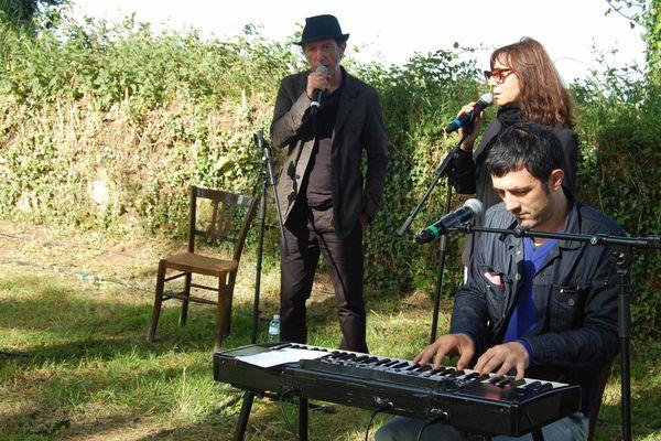 Festival Lieux Mouvants édition 2014 avec Christophe Miossec, Sophie Calle et Albin de la Simone, à Saint-Servais.