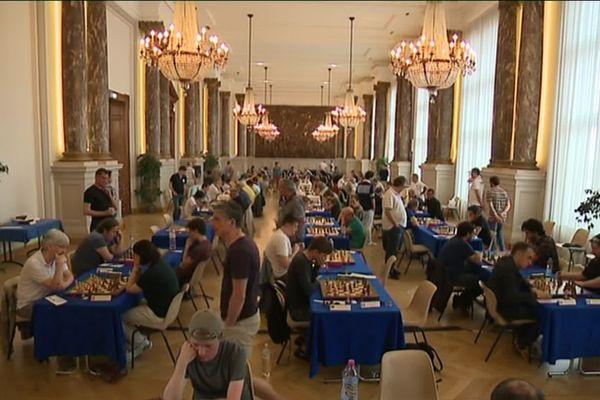 Le jeu d'échecs est l'une des rares disciplines intergénérationnelle. Dans cet Open international, les joueurs ont entre 7 et plus de 75 ans.