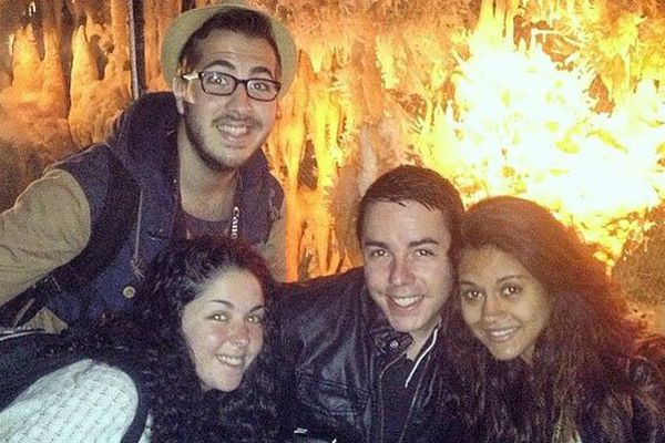 Axelle, Aurélie, Jérémy et Selim lors de leur visite à la Grotte du Grand Roc en Dordogne