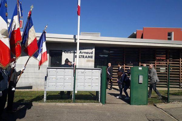 La caserne a été renommée en hommage au Colonel Beltrame qui a perdu la vie dans l'attentat de Trèbes.