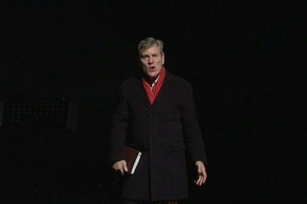 Le comédien Tchéky Karyo en répétition à la Maison de la Culture d'Amiens