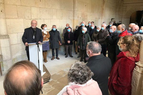 """Environ 300 personnes ont assisté à la """"veillée pénitentielle"""" dirigée par Mgr Jacolin."""