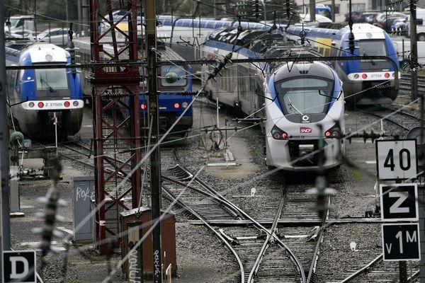 Les TER stationnent à proximité de la gare. Photo d'illustration