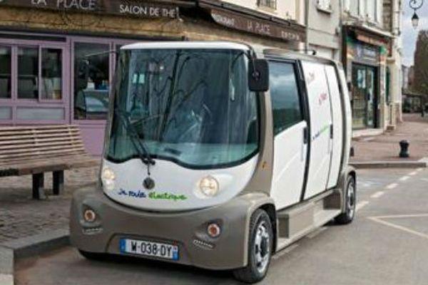 Mooville, la camionnette de l'entreprise Muses, basée à Conflans Sainte-Honorine (Val d'Oise)