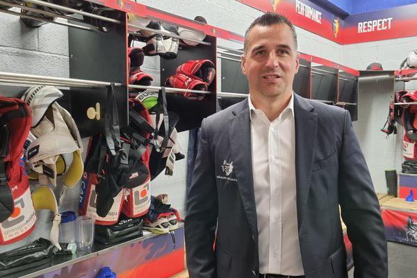 """Pour Jean-François Dufour, manager général des BDL, le nouvel entraîneur """"va amener un style de jeu finlandais, russe. Avec beaucoup de possession de palet""""."""